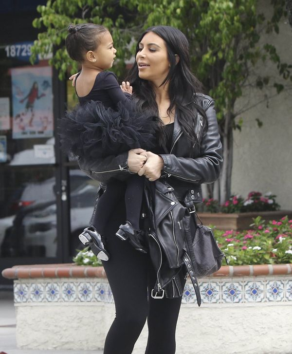 Kim i Kourtney Kardashian zabrały swoje córeczki na balet