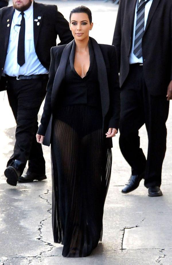 Gdzie się podziały piersi Kim Kardashian? (FOTO)