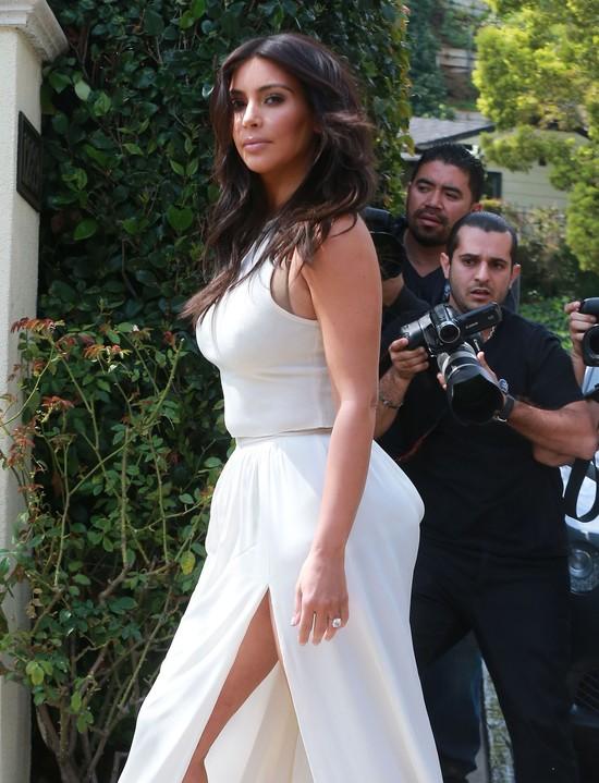 Kim Kardashian podzieliła się z siostrą garderobą mamy