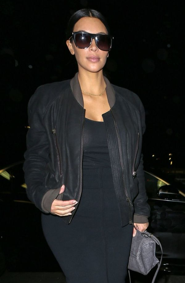Kim Kardashian i... odstający brzuszek? (FOTO)