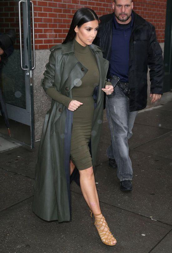 Militarna elegancja według Kim Kardashian (FOTO)