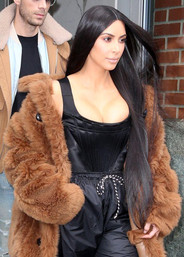 Kim Kardashian znowu naraża się swoim obserwatorom (FOTO)