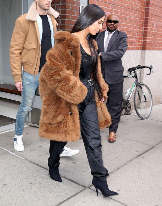 Najpierw Kylie, teraz Kim - zobaczcie co na siebie włożyła! (FOTO)