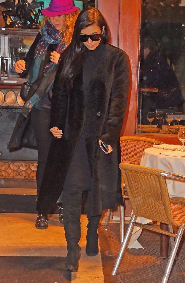 Kim Kardashian i jej zbyt ciemny podkład (FOTO)