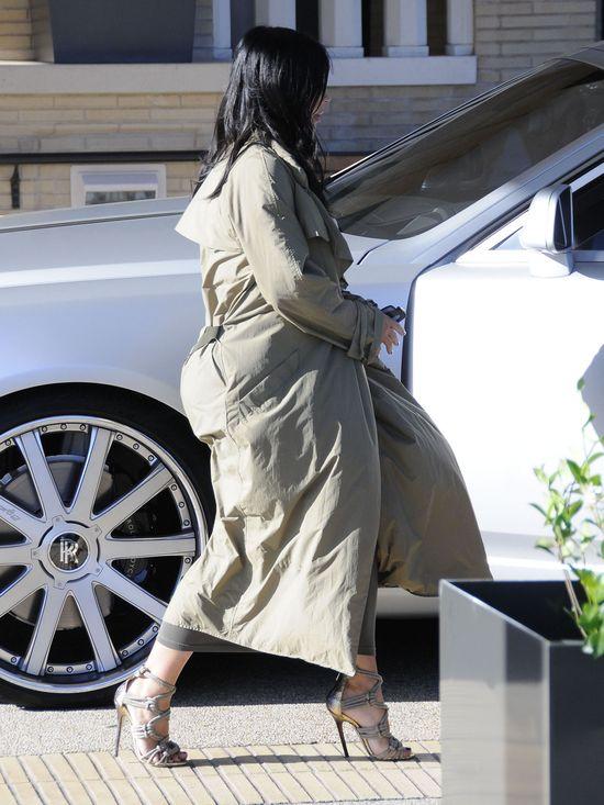 Kim Kardashian w ciąży nie rezygnuje z obcisłych kreacji