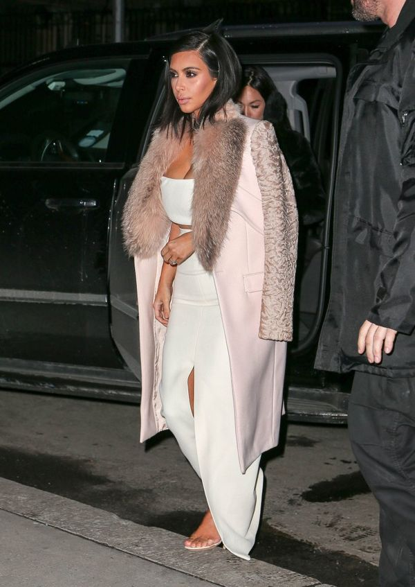 Siostry Kardashian świecą dekoltami - zobacz nowe zdjęcia