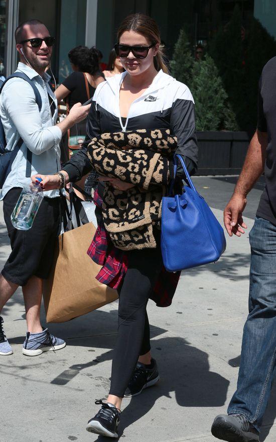 Khloe Kardashian również walczy z trądzkiem! (FOTO)