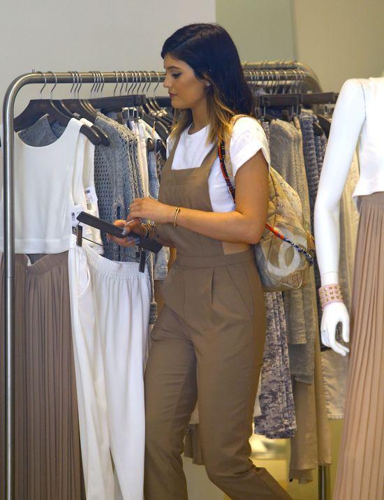 Siostry Kardashian na zakupach, czyli pupy w roli głównej