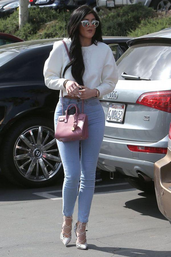 Czy Kylie Jenner ma już za sobą powiększanie pupy?! (FOTO)