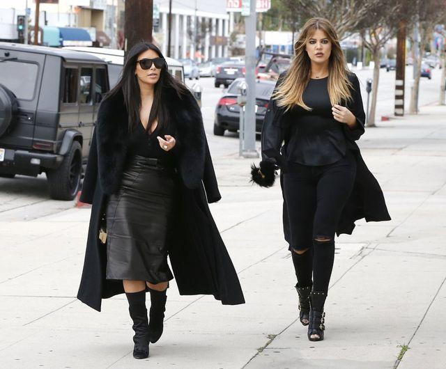 Modne (?) siostry Kardashian w wydaniu total black (FOTO)
