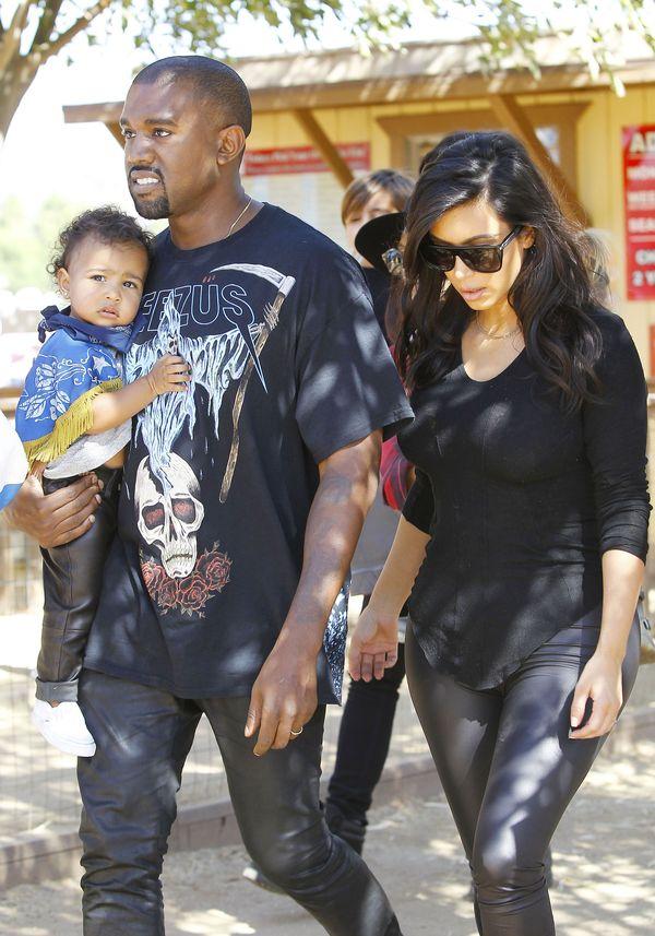 Rodzinka Kardashian-West w halloweenowej krainie (FOTO)