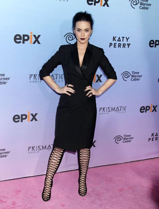 Elegancka i zmysłowa Katy Perry w Balenciaga (FOTO)