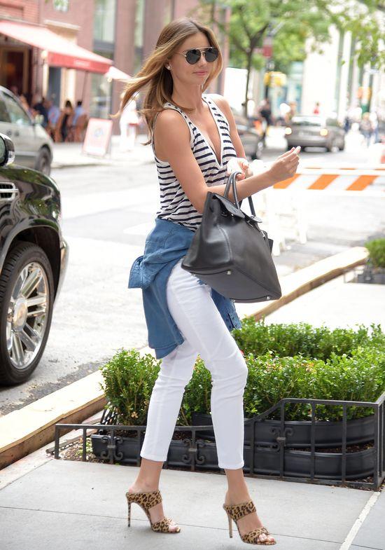 Miranda Kerr pokochała tę koszulkę! (FOTO)