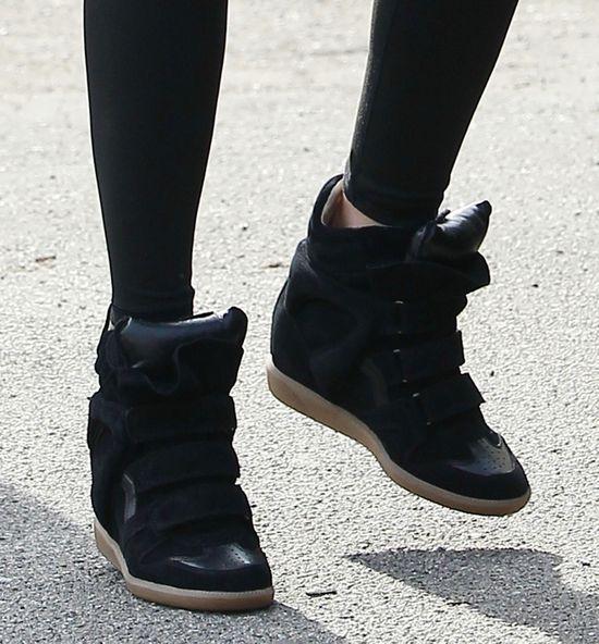 Sneakersy to ulubione buty Mirandy Kerr (FOTO)