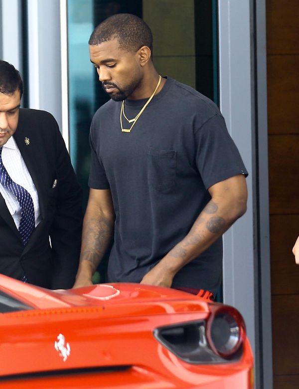 Hit sieci! Padniecie, gdy dowiecie się ile kosztują podarte swetry od Kanye!