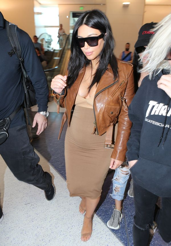 Kim Kardashian nareszcie w udanej ciążowej stylizacji (FOTO)
