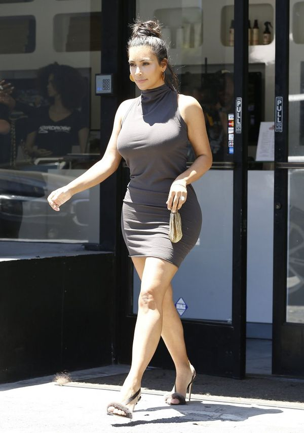 Nie uwierzycie, jak drobna zrobiła się Kim Kardashian! (FOTO)
