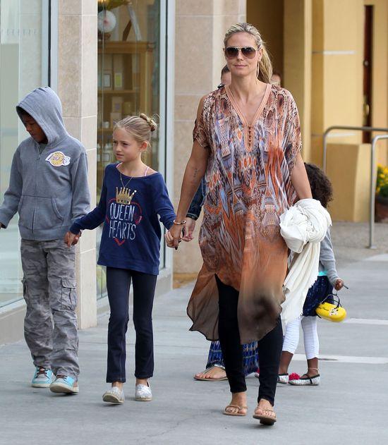 Heidi Klum w luźnej tunice (FOTO)