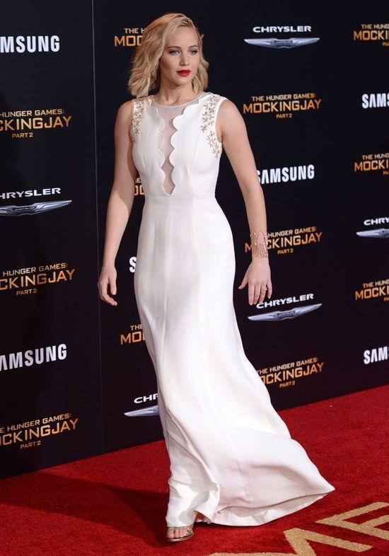 Zjawiskowa Jennifer Lawrence w bieli (FOTO)