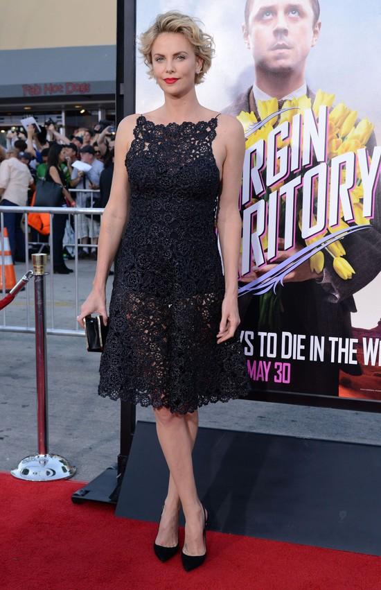 Charlize Theron o swojej garderobie: Ładna, ale skromna