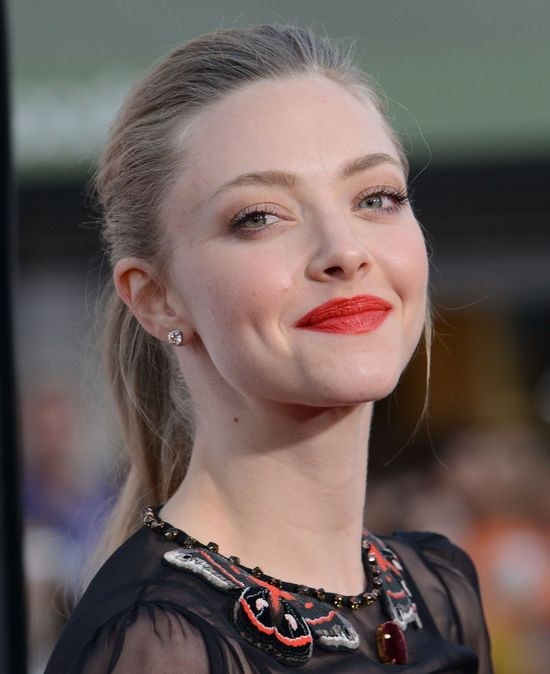 Amanda Seyfried vs Charlize Theron (FOTO)