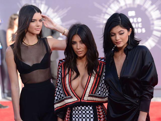 Kim Kardashian w minisukience Balmain na gali VMA (FOTO)