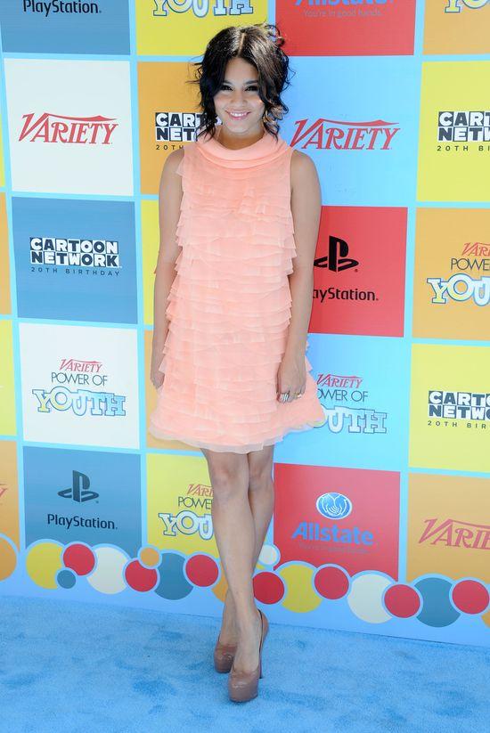 Vanessa Hudgens w różowej sukience (FOTO)