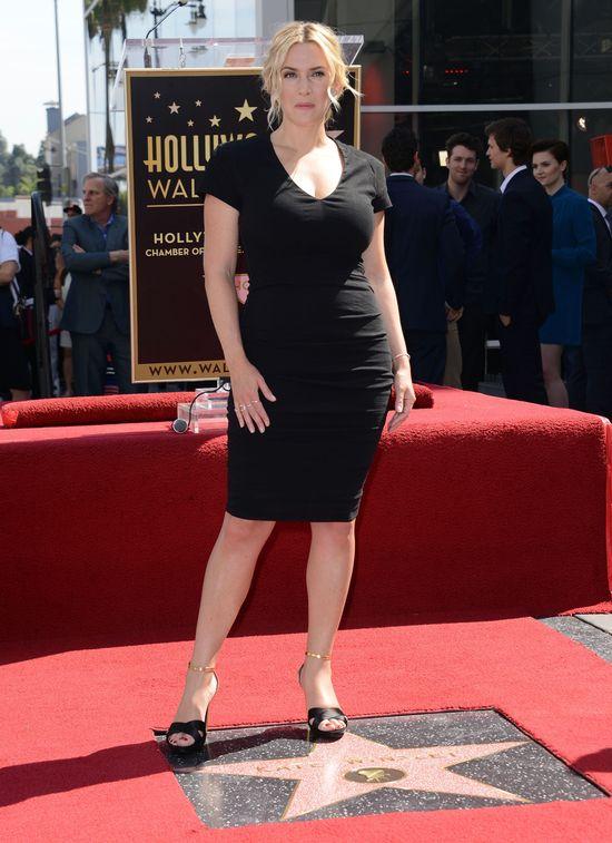 Kate Winslet pokazuje krągłości w małej czarnej (FOTO)