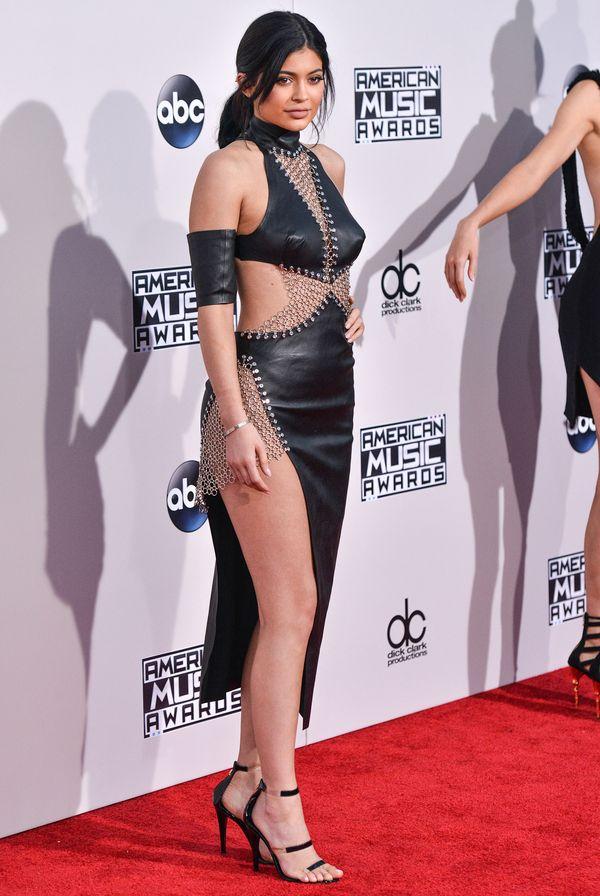 Kendall i Kylie Jenner zachwycają na gali AMA 2015 (FOTO)