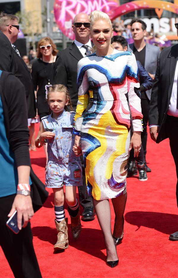 Gwen Stefani i jej (nie)idealna skóra twarzy na imprezie w LA