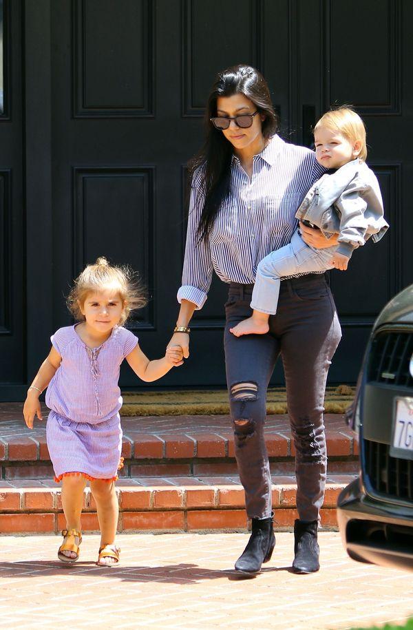 Kourtney Kardashian i jej strój wygodny, ale seksowny(FOTO)
