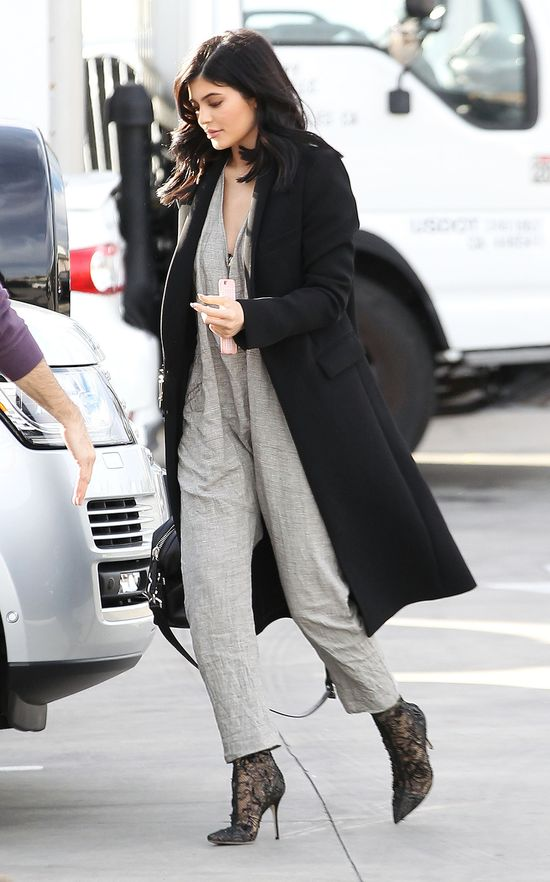 Seksowna Kourtney, elegancka Kylie - która wyglądała lepiej?