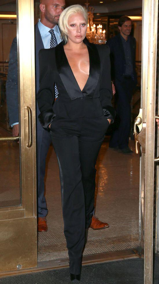 Lady Gaga pokazała rozstępy na piersiach (FOTO)
