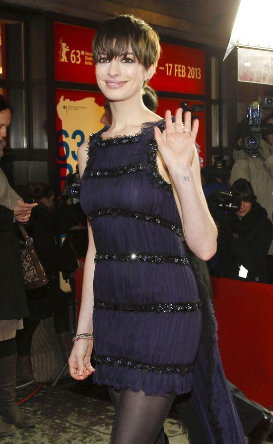 Anne Hathaway zaprezentowała nową fryzurę (FOTO)