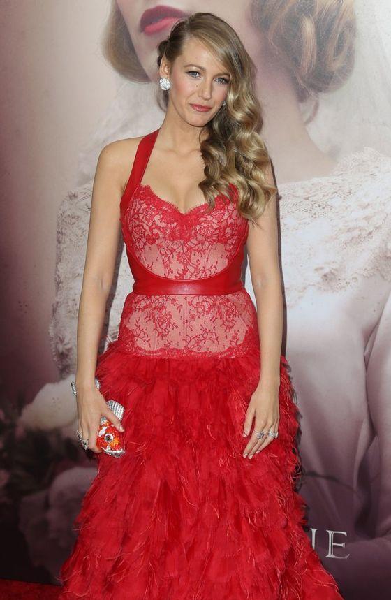 Blake Lively zachwyciła w czerwonej sukni Monique Lhuillier