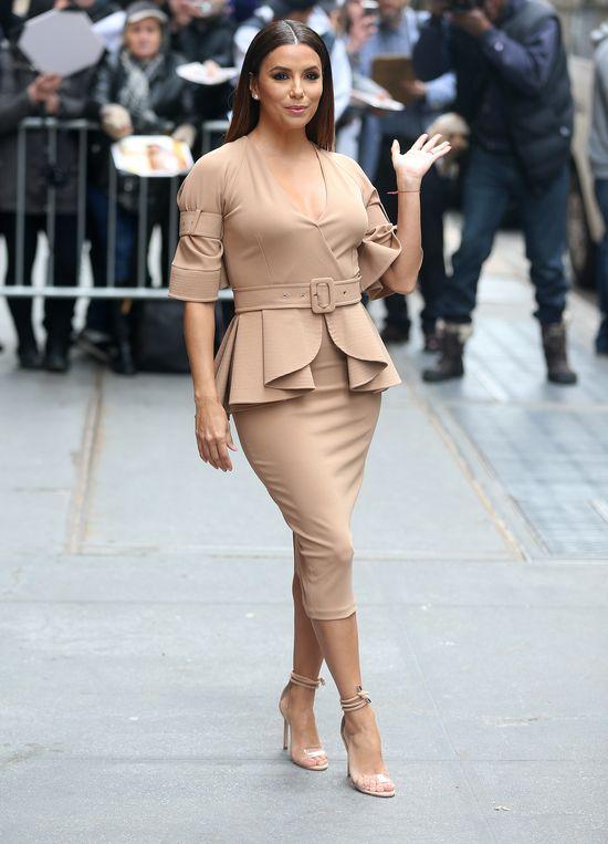 Eva Longoria zaokrągliła się i wygląda jak... Kim Kardashian! (FOTO)