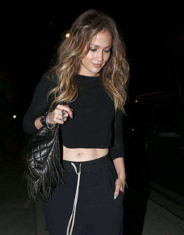 Jennifer Lopez odsłoniła brzuszek! (FOTO)