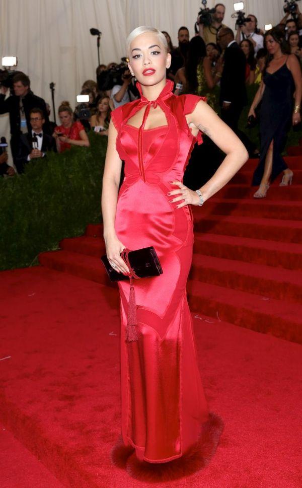 Rita Ora zafundowała sobie niecodzienną fryzurę (FOTO)