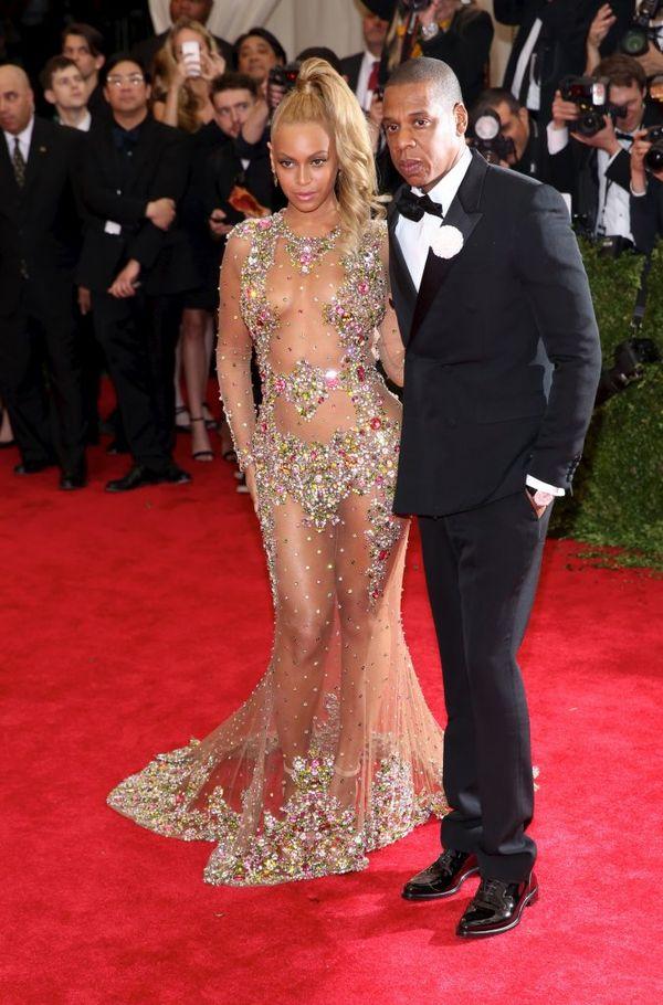 Ta dziewczyna zechciała wyglądać jak Beyonce na Gali MET