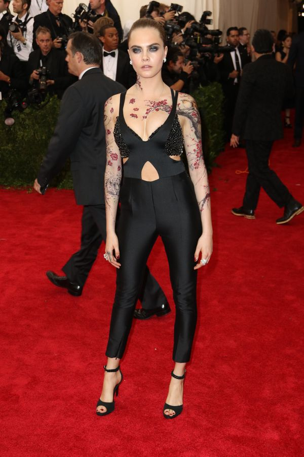 Cara Delevingne na okładce lipcowego Vogue