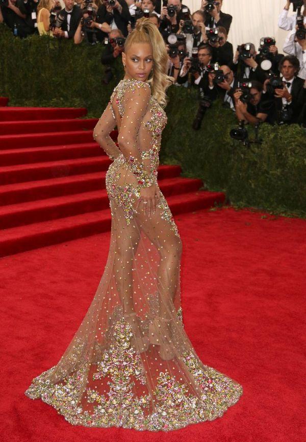 Beyonce zachwyciła idealną figurą na Gali MET 2015 (FOTO)