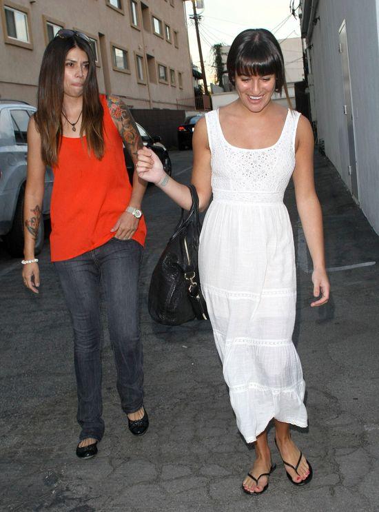 Lea Michele w lekkiej sukience (FOTO)