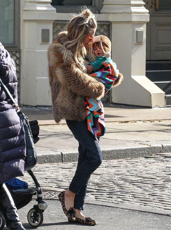 Sienna Miller w mokasynach od Prady (FOTO)