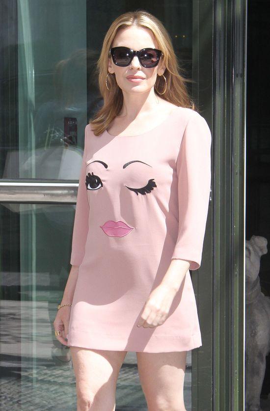 Kylie Minogue w uroczej sukience Moschino (FOTO)