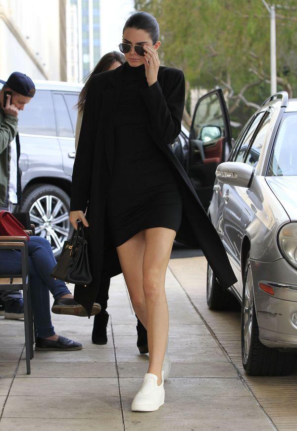 Kendall Jenner i Gigi Hadid pomogły... bezdomnemu? (FOTO)