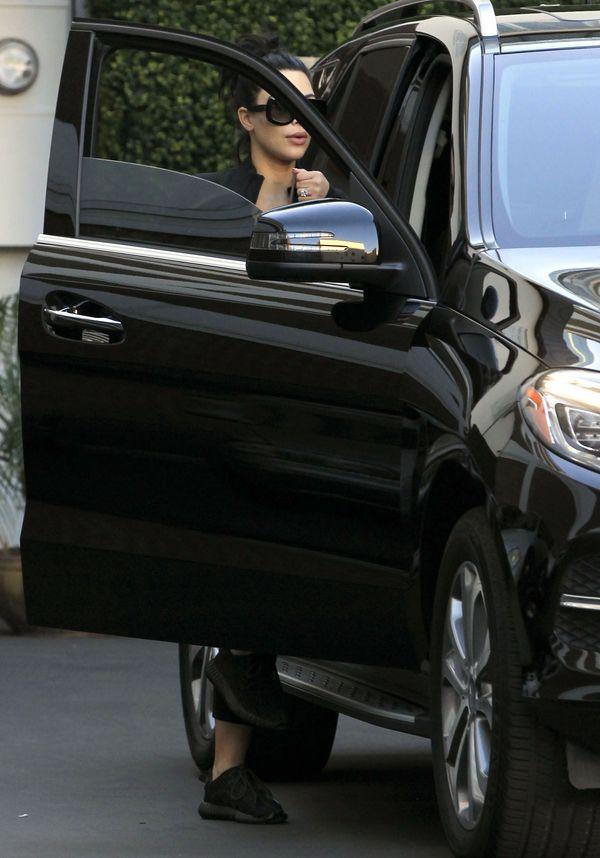 Kim Kardashian szybko znudziła się platynowym blondem