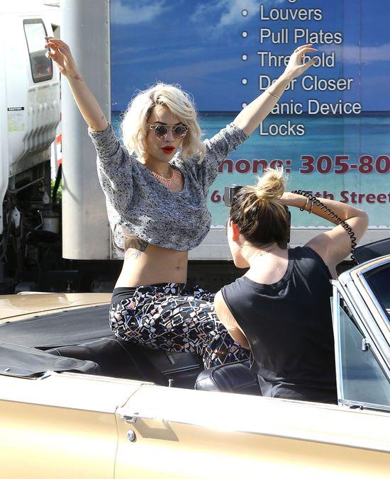 Rita Ora za kulisami sesji dla Material Girl (FOTO)