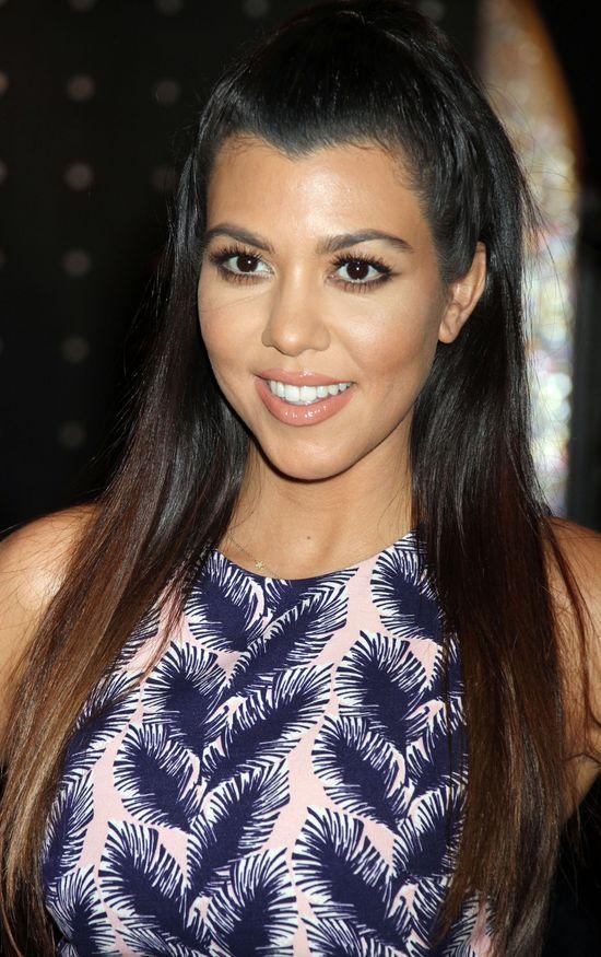 Kourtney Kardashian wygląda coraz lepiej (FOTO)