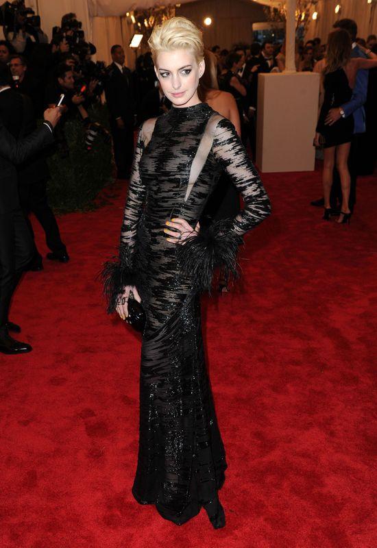 Anne Hathaway w wersji blond! (FOTO)
