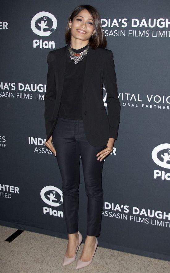 Freida Pinto też nosi boba! (FOTO)